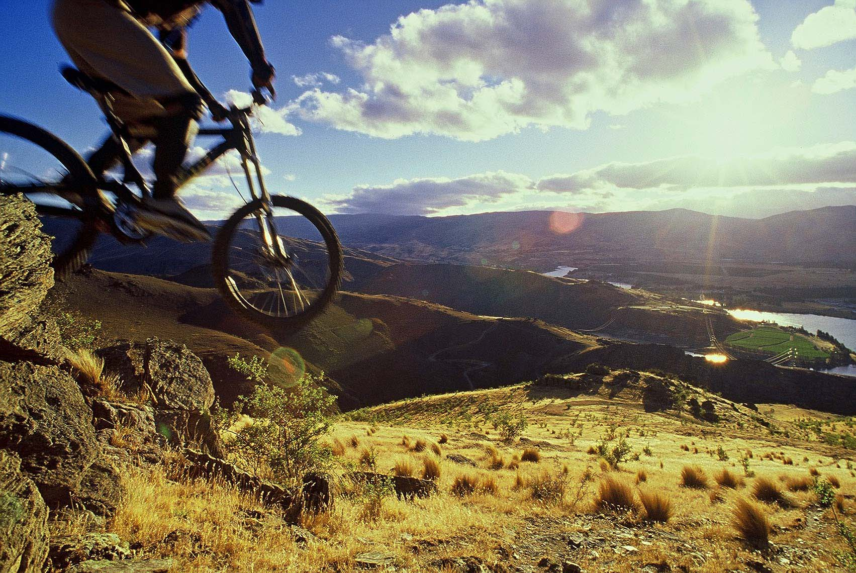 mountain biker Otago New Zealand